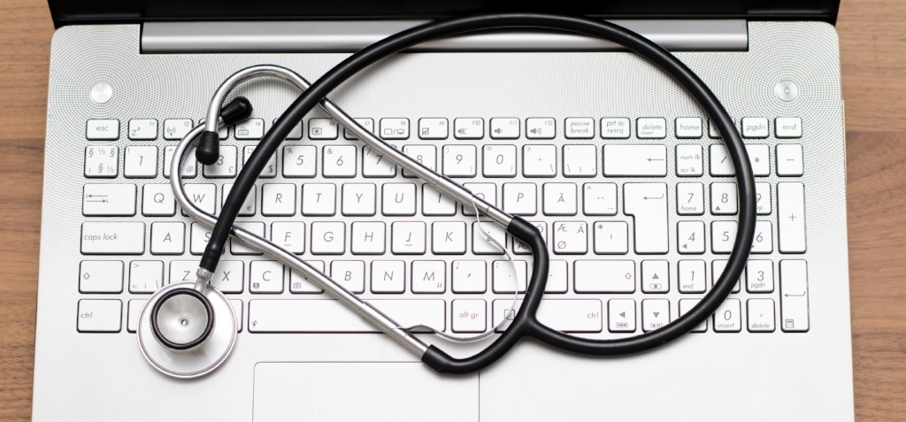 How an EHR Software Can Improve Your Revenue Cycle Management